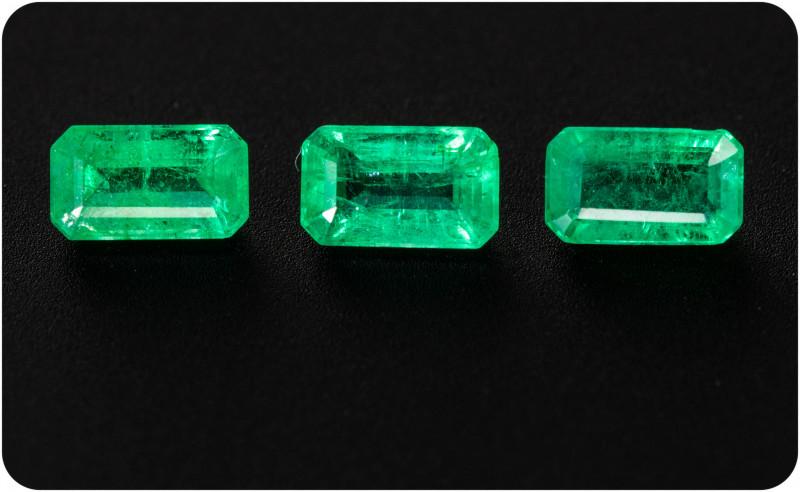 Emerald  0.82 ct Zambia GPC Lab