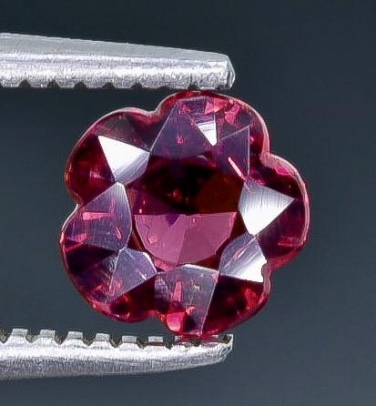 1.00 Crt  Grape Garnet Faceted Gemstone (Rk-7)