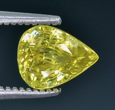 1.33 Crt Sphene  Faceted Gemstone (Rk-7)