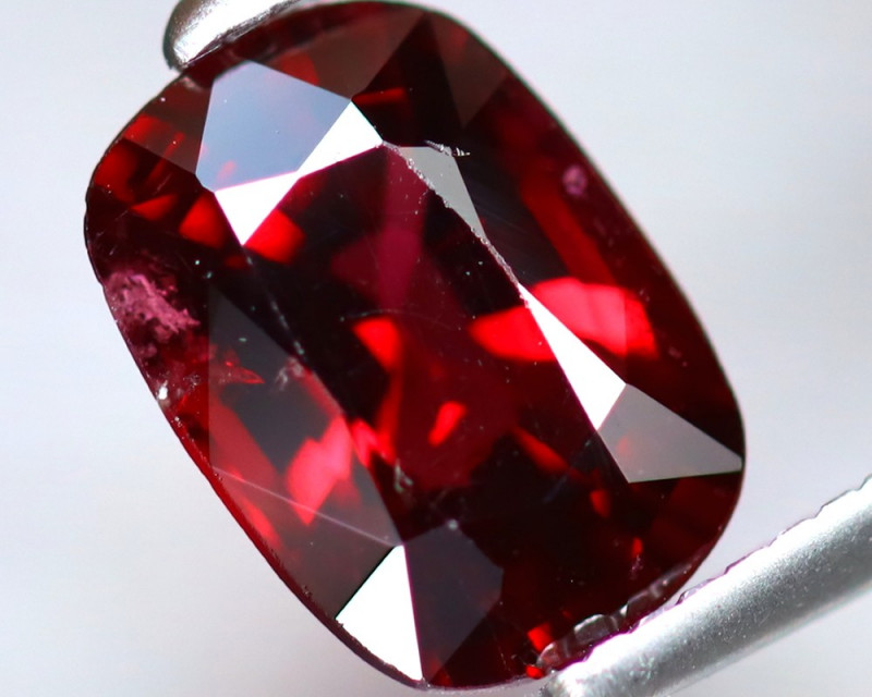 Spinel 1.41Ct Mogok Spinel Natural Burmese Red Spinel DF0117/B33