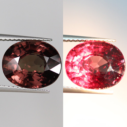 5.60 CT STUNNING!! TOP QUALITY COLOR CHANGE GARNET-CG22