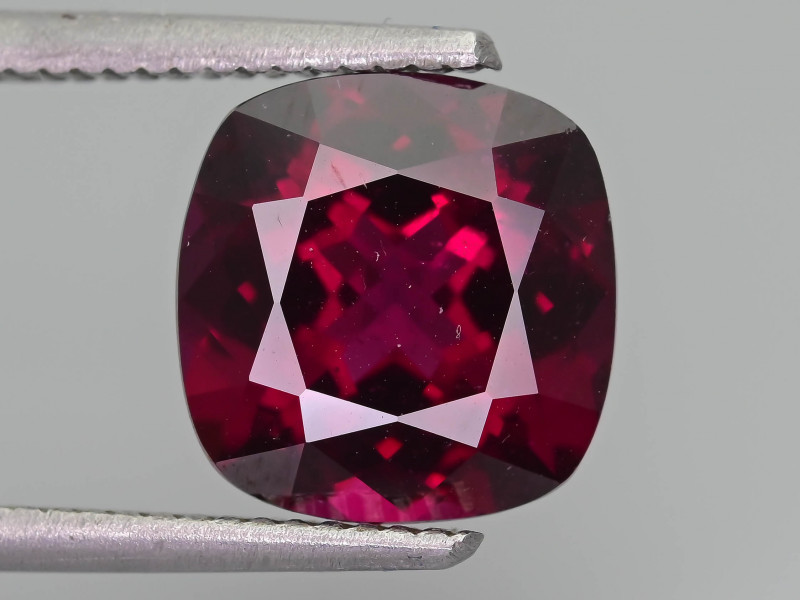 Grape Garnet 5.43 ct Mozambique SKU-37