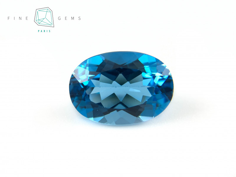 15.16 carats Swiss Blue Topaz Oval cut