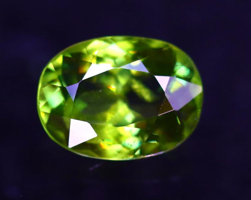 Sphene 1.50Ct Natural Rainbow Flash Green Sphene ER343/B41