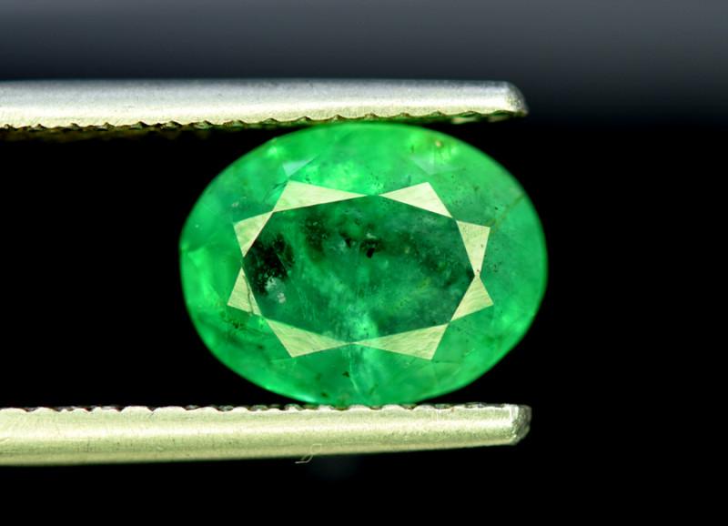 Emerald, 3.60 Carats Oval Cut Natural Zambian Emerald Gemstone