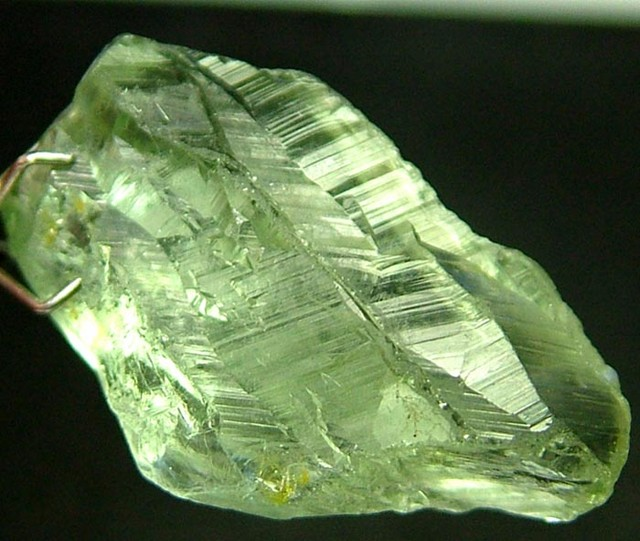GREEN PRASIOLITE ROUGH 18.90 CTS [F1100 ]