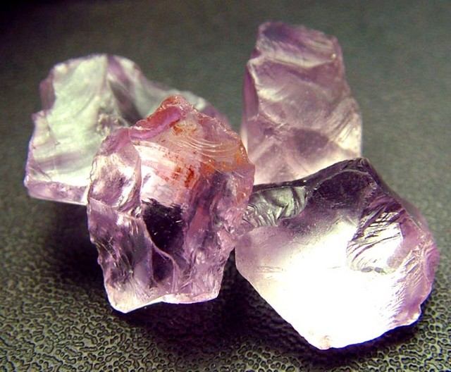 PINK AMETHYST [ROSE DE FRANCE] ROUGH 29.95 CTS  [F1175 ]