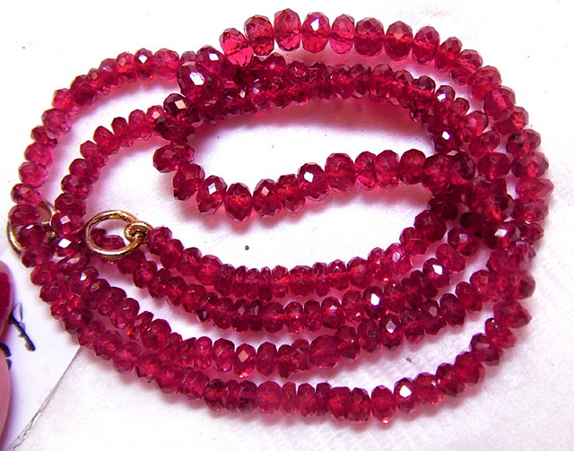 REDDISH PINK SPINEL FACETED  BEADS 52 CTS PG-66