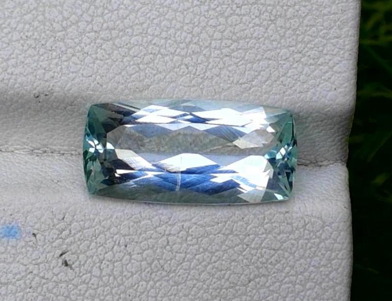 Aquamarine, 5.15 cts Top Color Natural Aquamarine from Pakistan