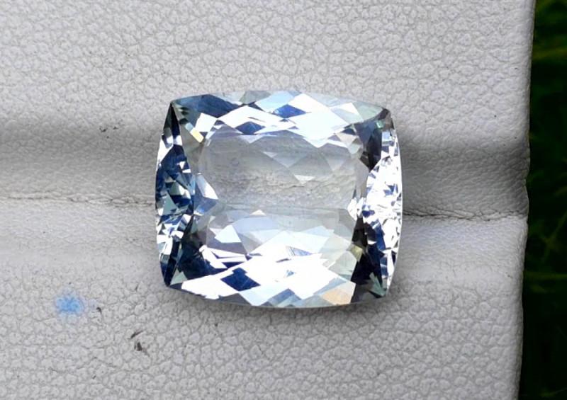 Aquamarine 7.10 CT Natural Cushion Cut Aquamarine Gemstone