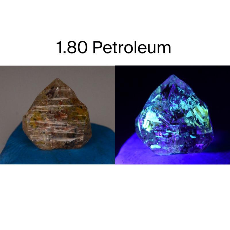 Rare 1.80 ct Natural Ancient Fluorescent Quartz With Ancient Petrolium
