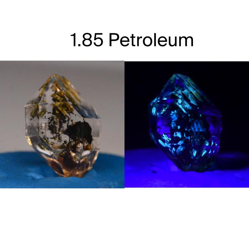 Rare 1.85 ct Natural Ancient Fluorescent Quartz With Ancient Petrolium