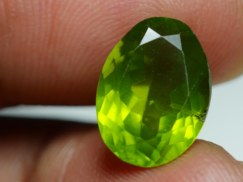 6.995 CRT AWESOME NATURAL PERIDOT STUNNING COLOR-