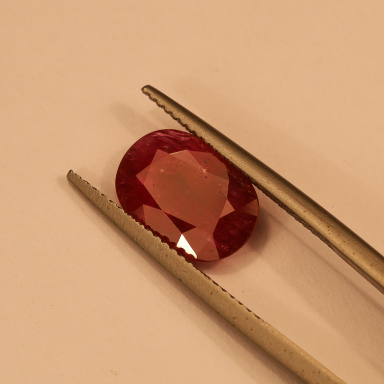**No Reserve** 3.3ct Oval-Cut Ruby