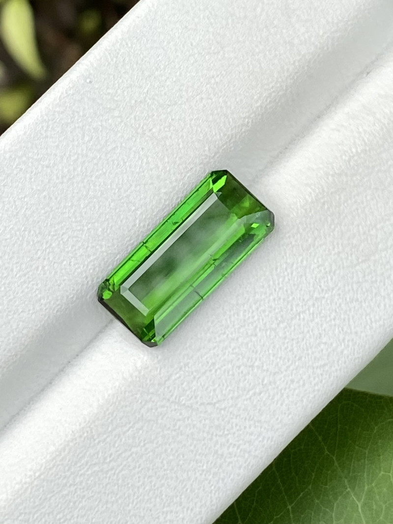 Natural Green Tourmaline 4 Cts Good Quality Gemstone