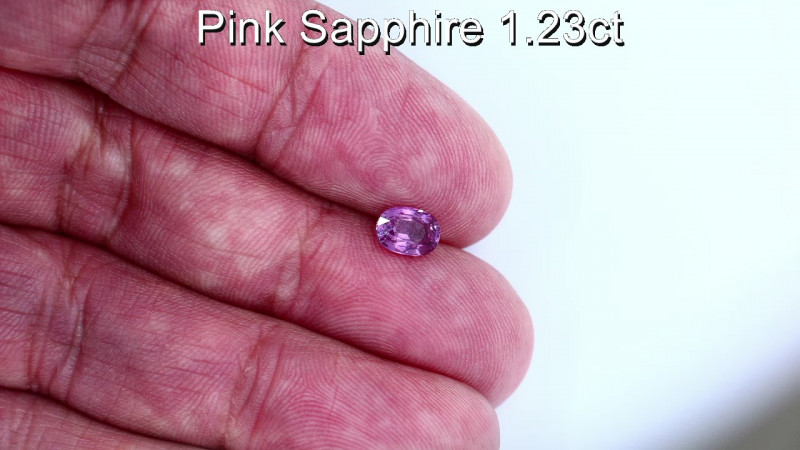 1.23cts Natural Pink Sapphire     Oval Cut
