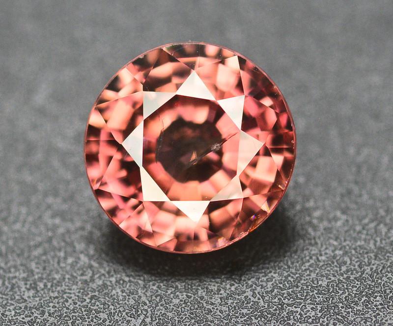 Amazing Quality 2.60 Carat  Beautiful Natural Color Zircon