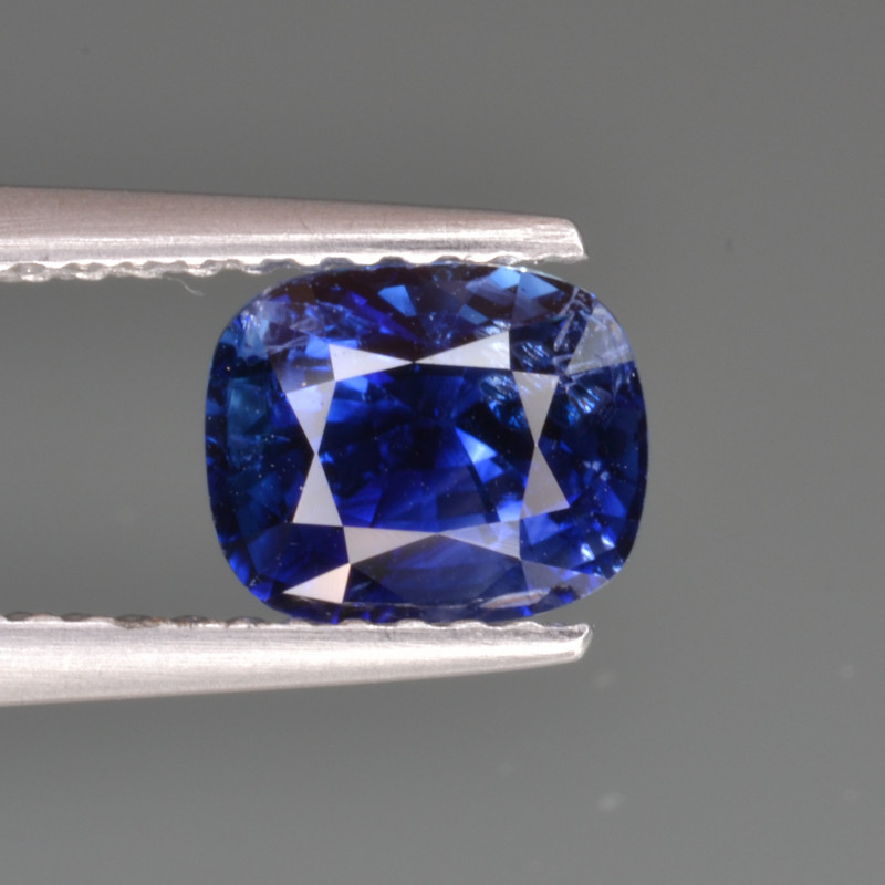 Natural Sapphire Royal blue 1.63 Cts, Top Quality from Sri Lanka