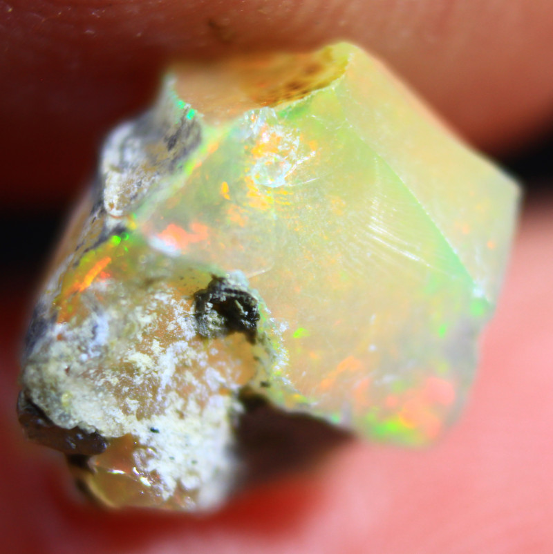 Cts. 2.85 ROUGH Ethiopian Opal   RFA3