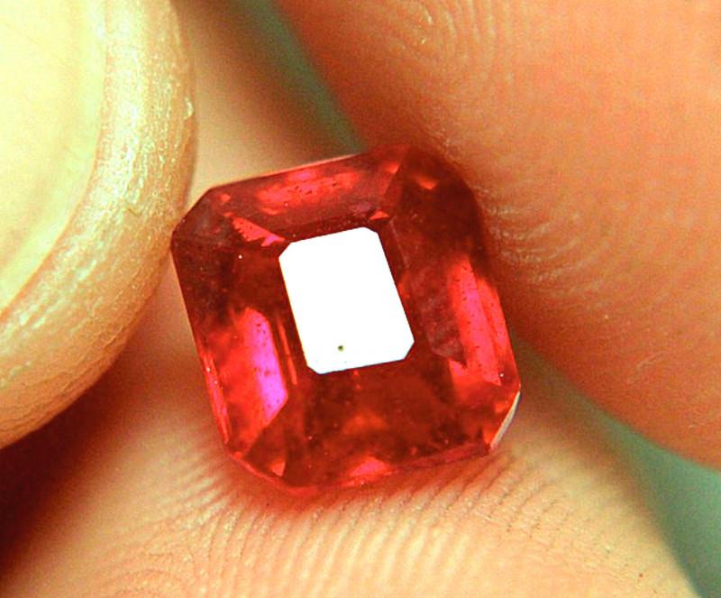 3.58 Carat VS Fiery Pigeon Blood Ruby - Beautiful Gem