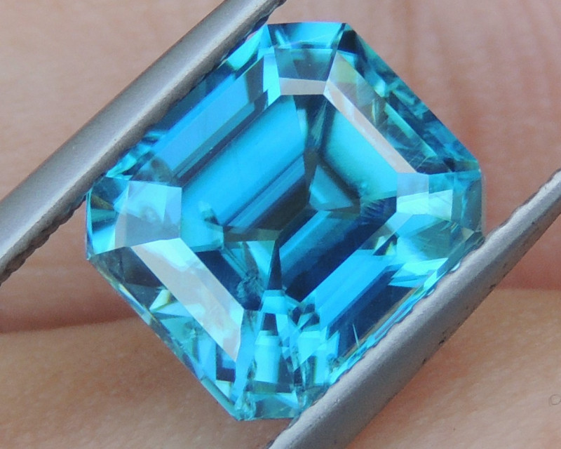 5.12cts, Natural Blue Zircon