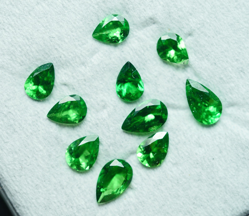 1.630 CRT 10 PCS BRILLIANT GREEN TSAVORITE GARNET PARCELS-