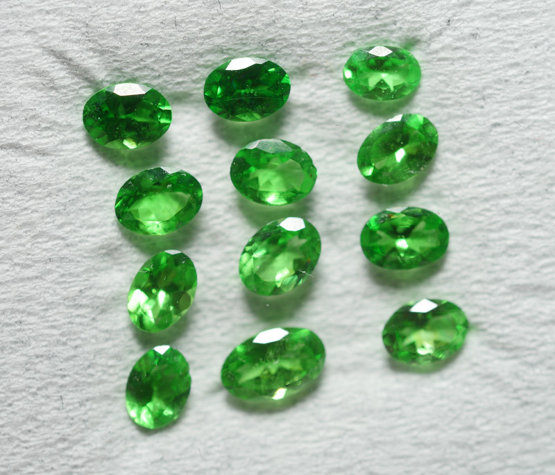 1.795 CRT 12 PCS BRILLIANT GREEN TSAVORITE GARNET PARCELS-