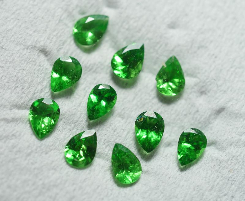 1.325 CRT 10 PCS BRILLIANT GREEN TSAVORITE GARNET PARCELS-