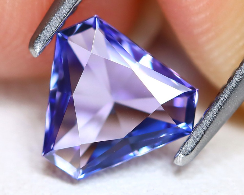 Tanzanite 0.97Ct VVS Master Cut Natural Purplish Blue Tanzanite B2537