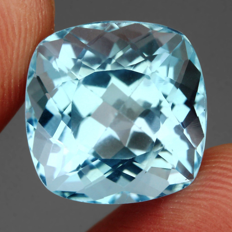 Clean 18.36 ct  100% Natural Top Sky Blue Topaz Brazil Explode