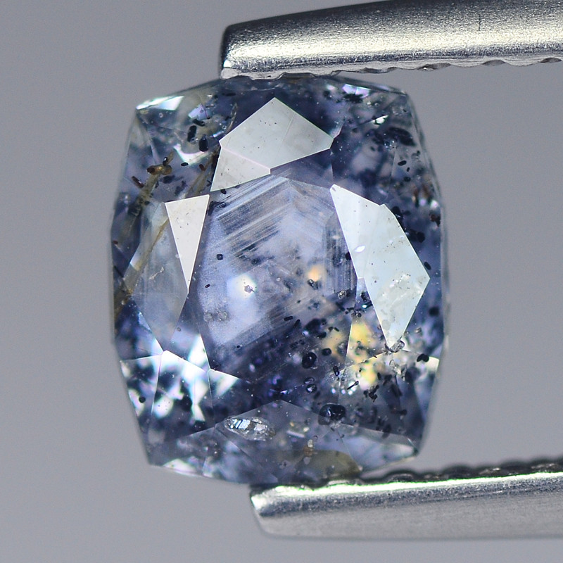 Cylon Sapphire 0.95 Cts White Grey dot  Master Geo Cut BGC337