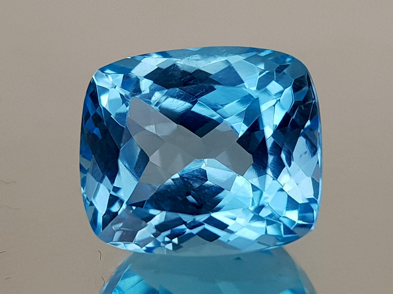 10.25Crt Blue Topaz Natural Gemstones JI28