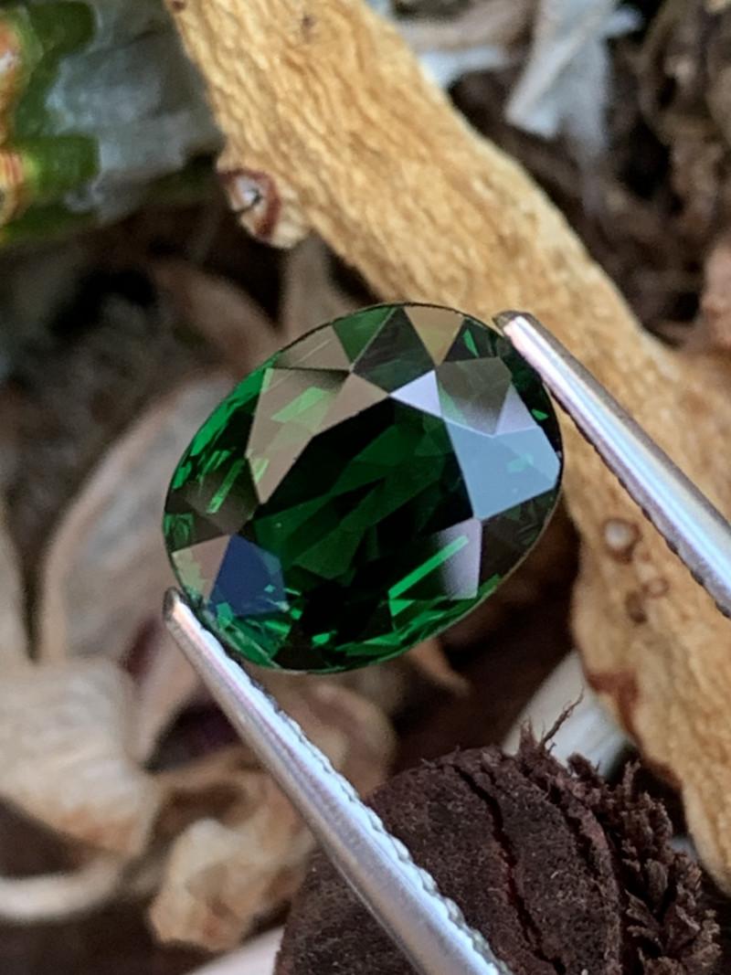 2.06 Cts AAA Grade Dark Vivid Green Natural Tsavorite Tanzania