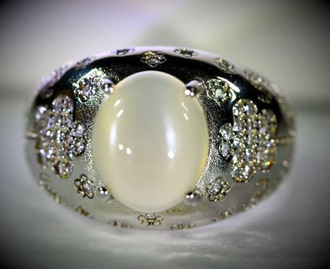 Moonstone 4.69ct Platinum Finish Solid 925 Sterling Silver Ring