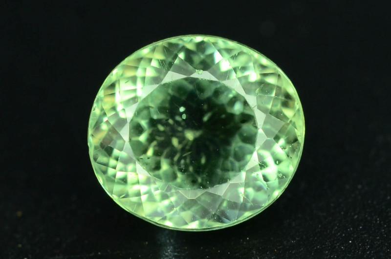 Great Luster 1.25 ct Green Apatite ~ K