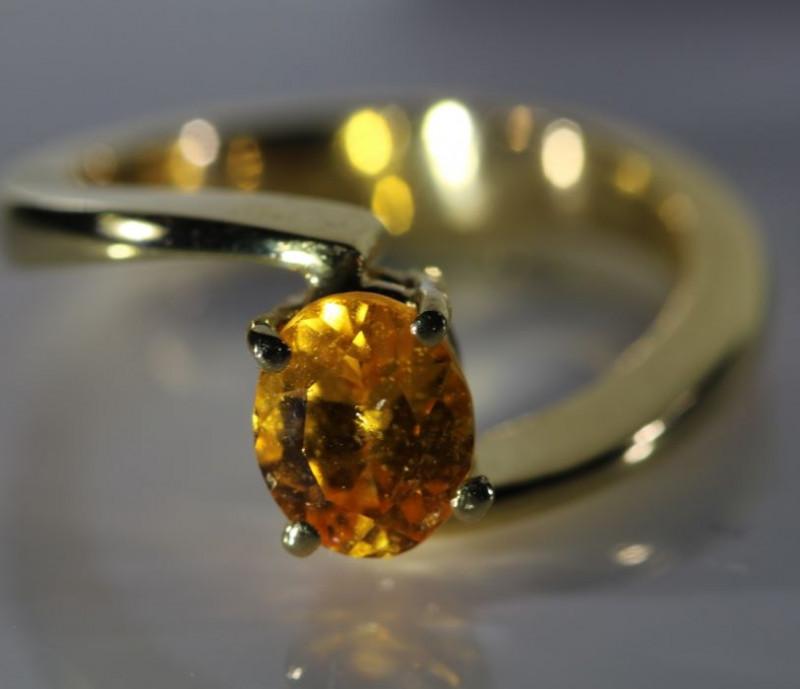 Mandarin Spessartine 1.62ct Solid 18K Yellow Gold Ring