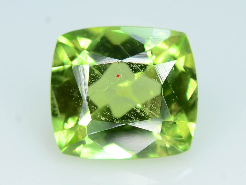 Peridot Exquisit Color 1.70 ct Himalayan Range ~ Pakistan