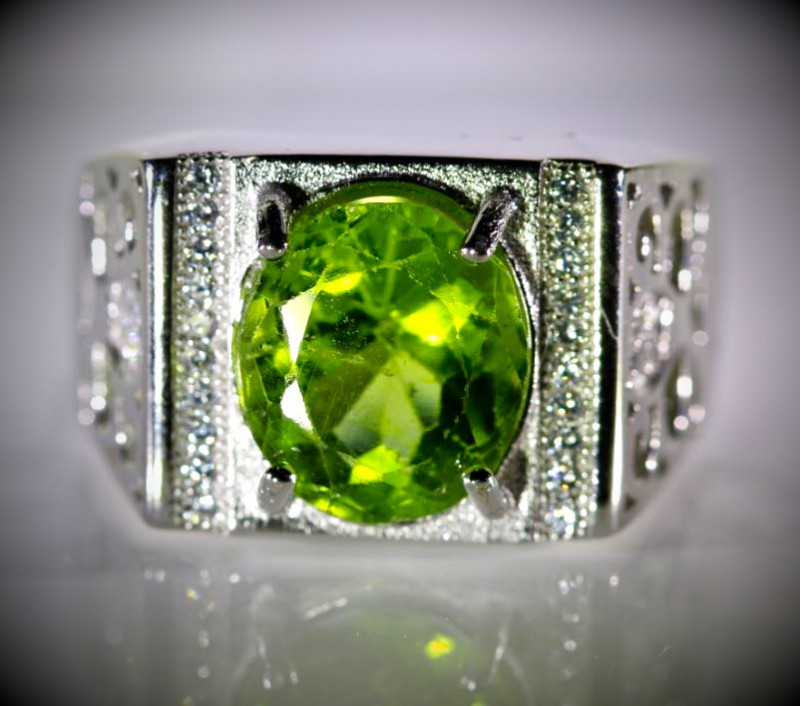 Peridot 4.55ct White Gold Finish Solid 925 Sterling Silver Ring