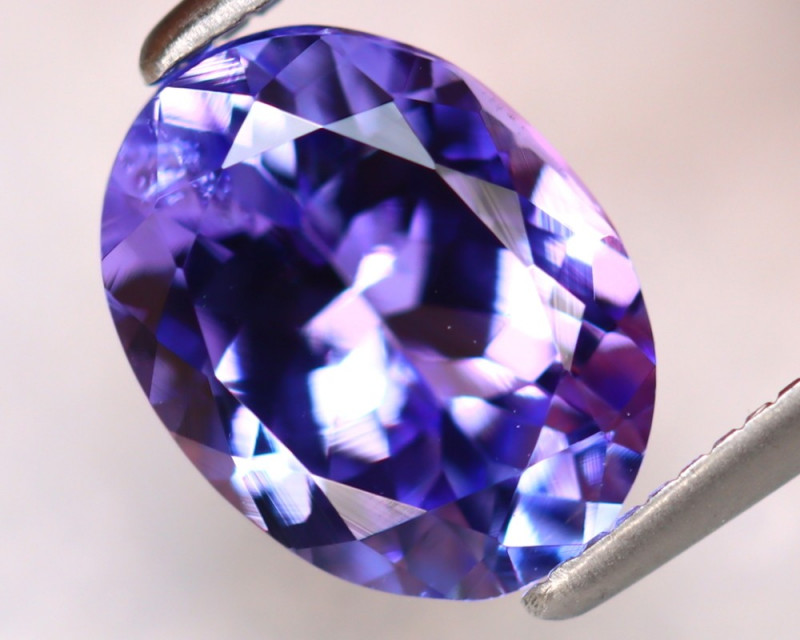 Tanzanite 2.06Ct Natural VVS Purplish Blue Tanzanite DK3001/D4