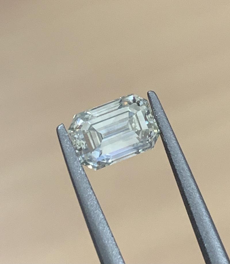 1.04 CT Diamond Gemstones
