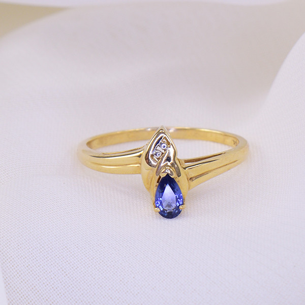 Natural Unheated Blue Sapphire 10kt Gold Ring
