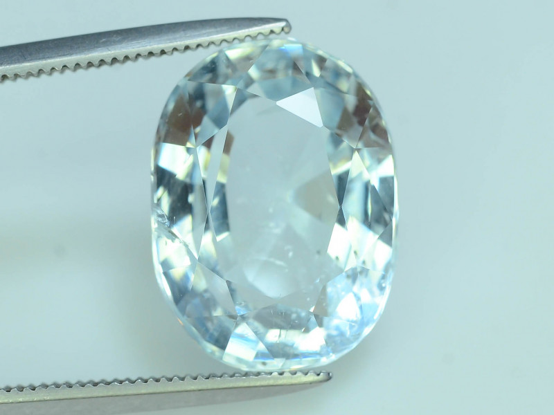 Top Grade 8.35 ct Attractive Color Aquamarine~T