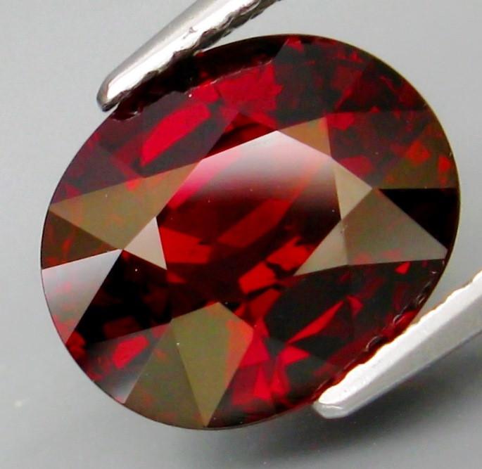 5.20 ct. Natural Earth Mined Rhodolite  Garnet Africa - IGE Certified