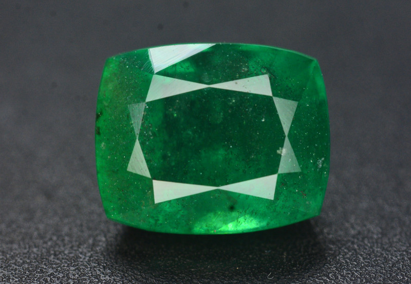 2.80 Ct Top Quality Natural Swat Emerald