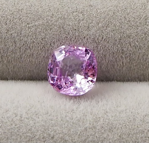 0.98ct unheated pink sapphire