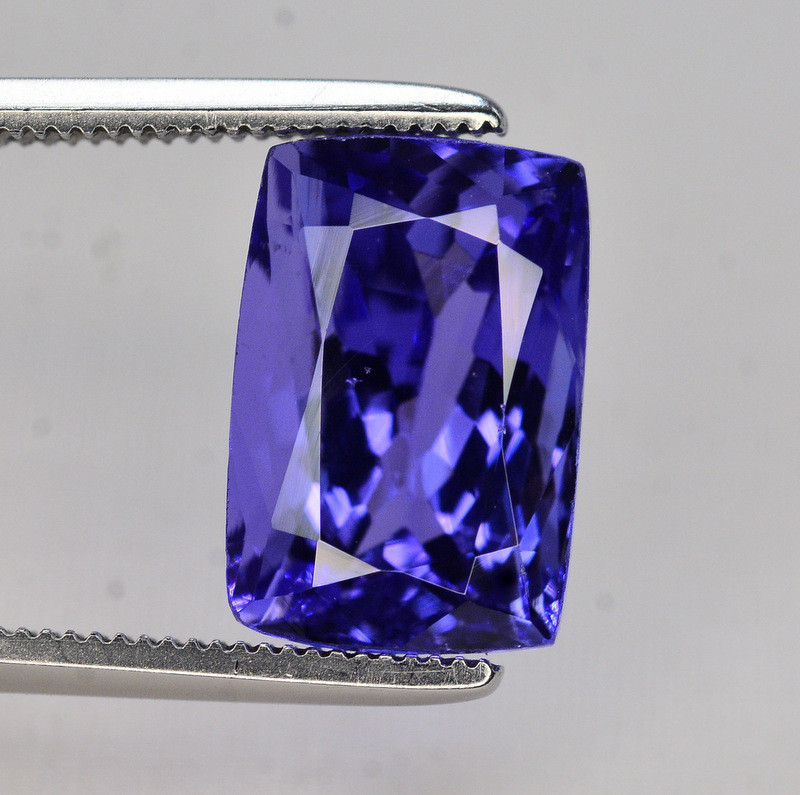 Natural Tanzanite 5.70 Ct Color Top Quality ~ Gorgeous