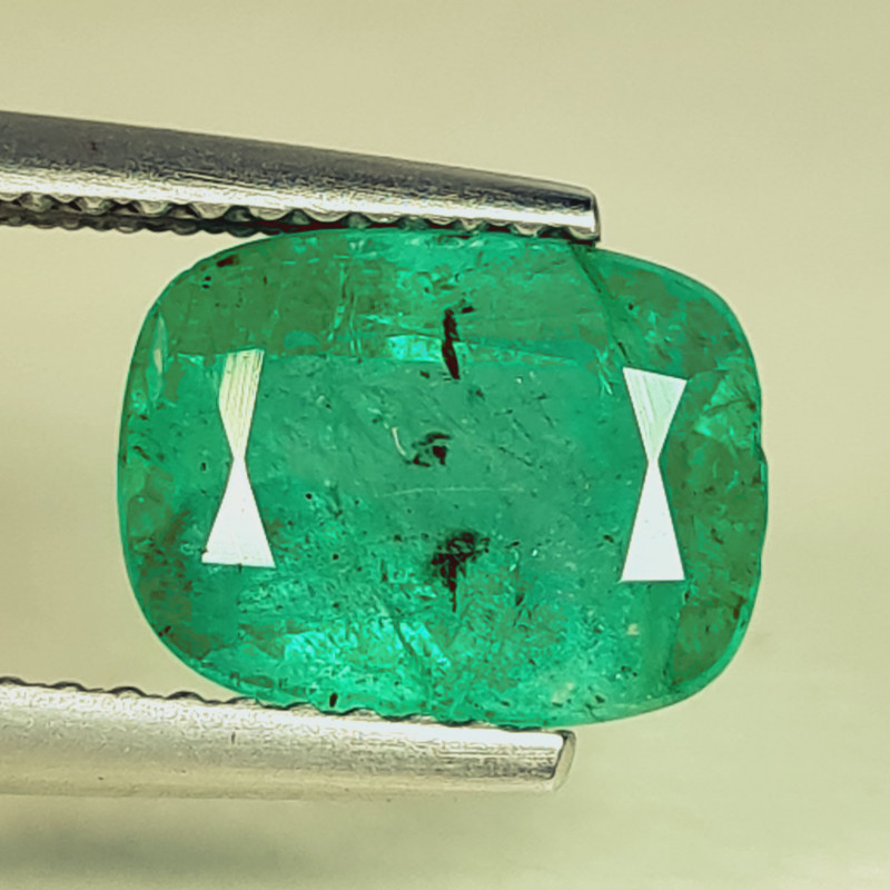 2.60 ct  AAA Grade Gem Amazing Cushion Cut Natural Emerald
