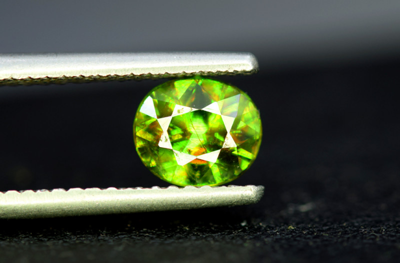 1.50 CT AAA Quality Full Fire Color Change Natural Sphene Titanite Gemston
