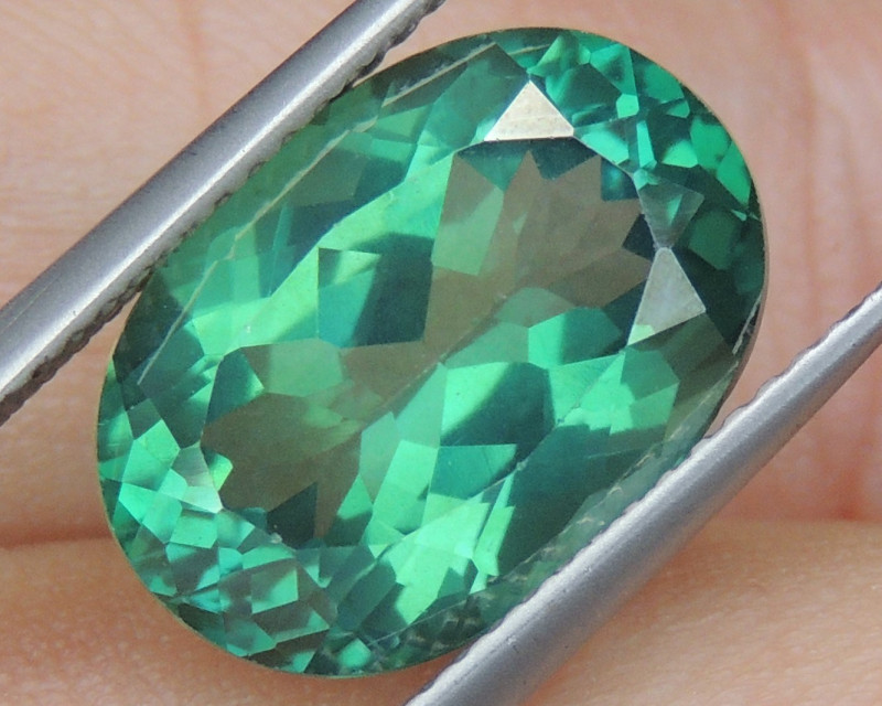 7.61cts, Green Topaz,  Calibrated