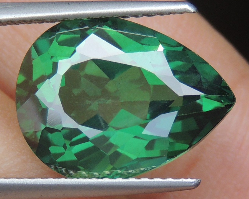 9.85cts, Green Topaz,  Calibrated